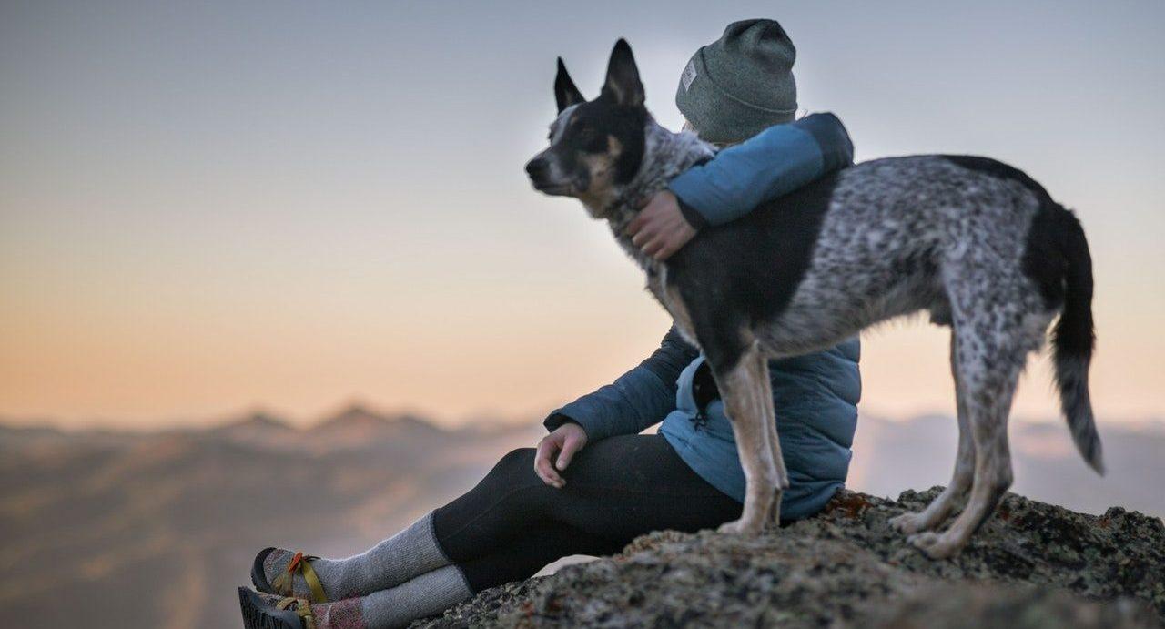 Frau mit dem Hund